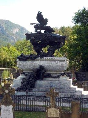 Mausoleo Gayarre 2